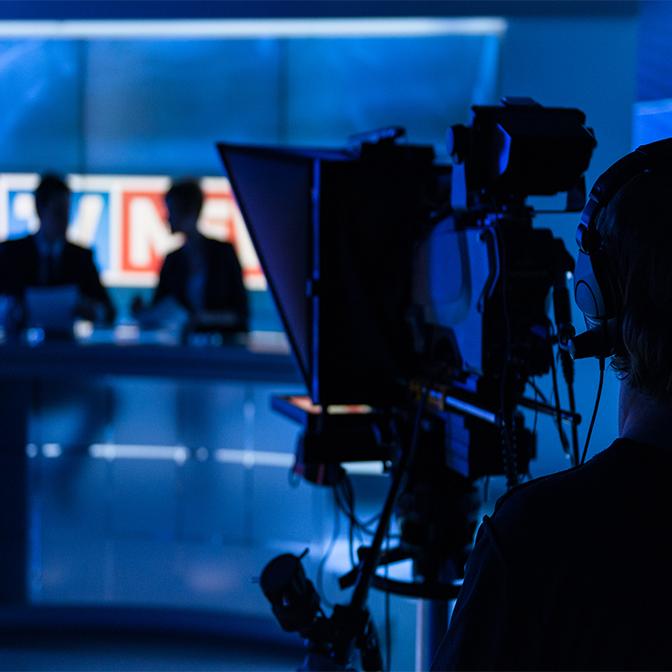 Broadcasting person icon